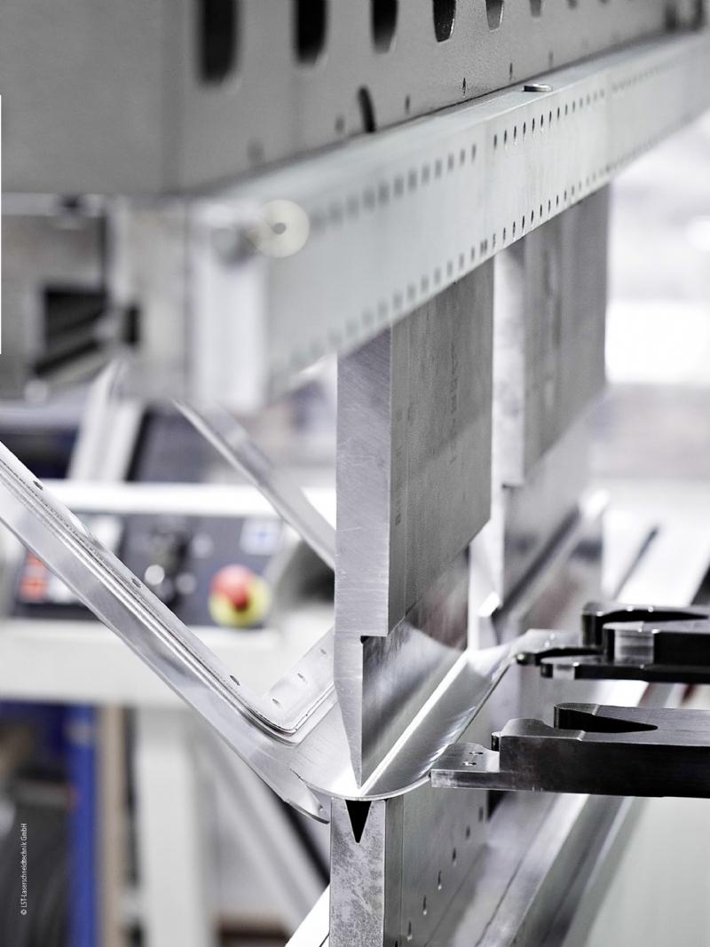 Prestazioni e integrazione dal sensore al cloud: PC-based Control nella lavorazione della lamiera