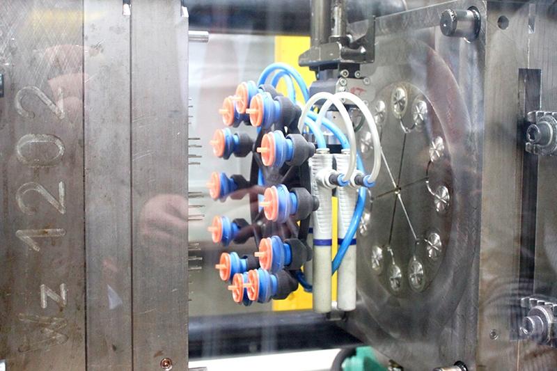 Customer Case Study Industry - gripper in poliammide