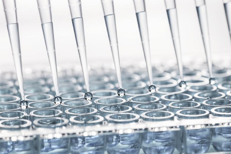 Sistemi di azionamento avanzati: come ottenere un'alta produttività e un'alta affidabilità per l'automazione di laboratorio