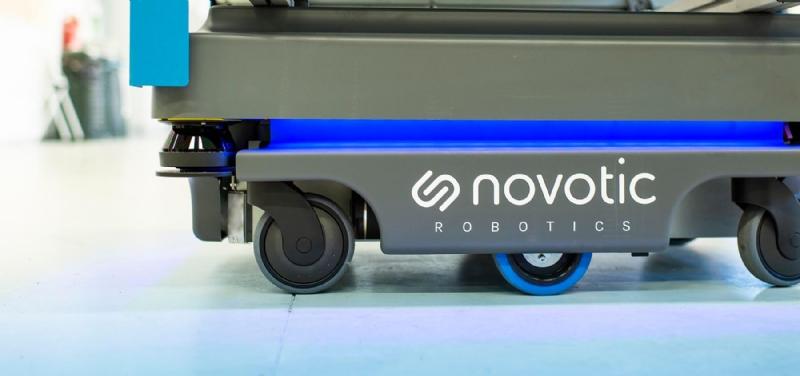 #Logistica automatica con robots e shuttle