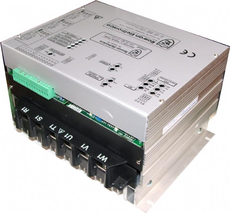 Manuale tecnico del regolatore di tensione trifase C310