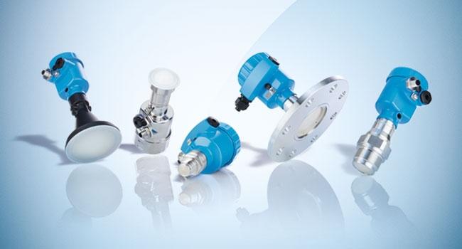 Sensori di misurazione del livello di riempimento LBR e LFR SicWave